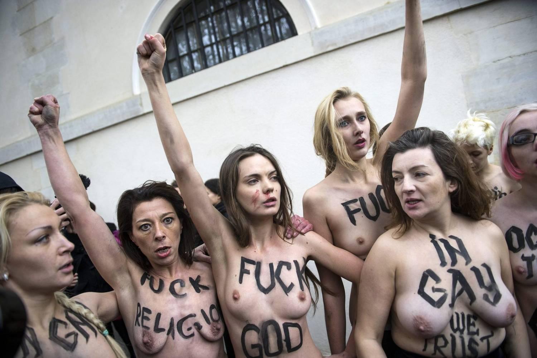 Трах Активистки Фемен Порно Смотреть